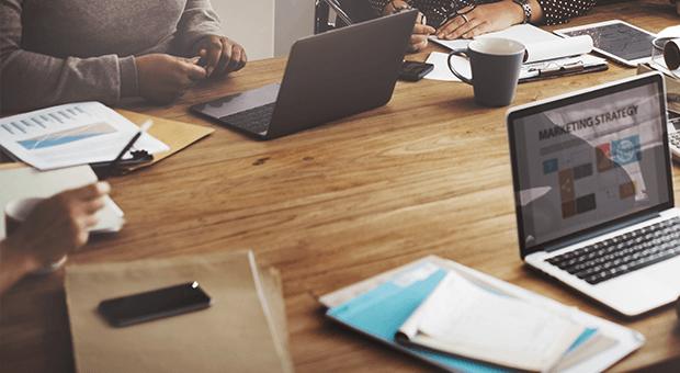 O que considerar ao contratar uma agência de SEO?